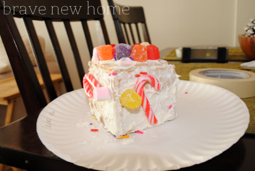 christmas_home_tour_gingerbread_house