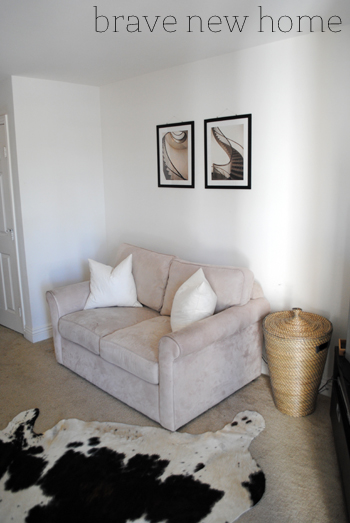 living_room_makeover_phase_1_love_seat