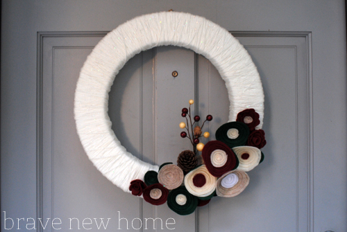 yarn_wreath_complete