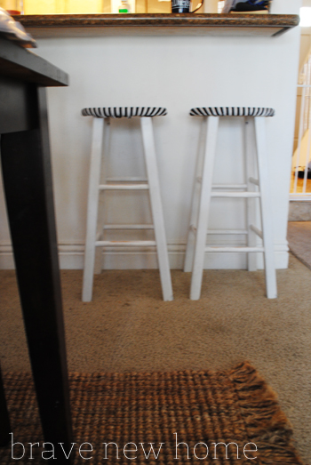 bar_stool_makeover_closeup