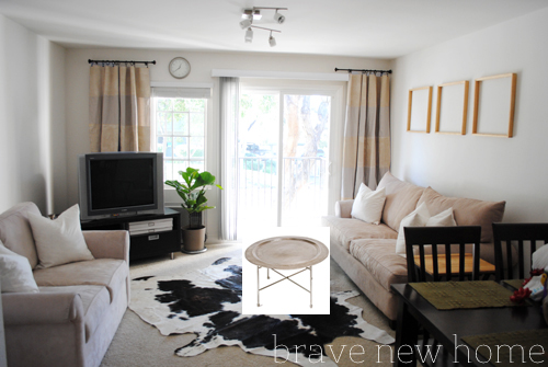 living_room_makeover_antique_coffee_table