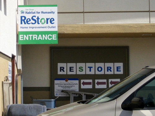habitat for humanity restore store front